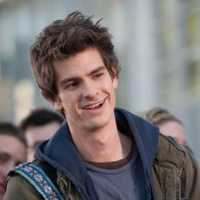 Andrew Garfield Raih Penghargaan Tony Awards