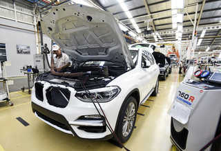 Perakitan Mobil All-New BMW X3