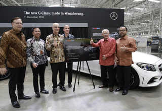 Panin Bank Gandeng Mercedes-Benz Distribution Indonesia