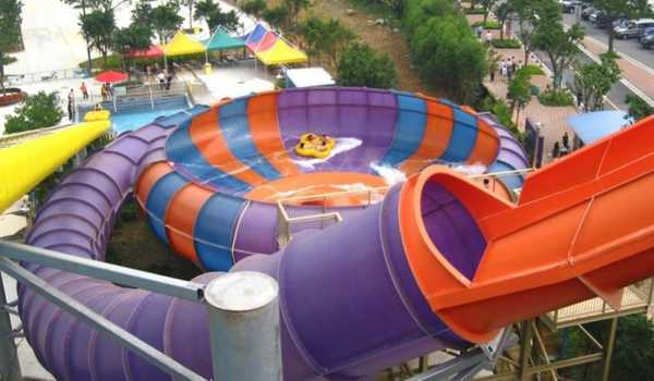 Wahana Luncur Behemoth Bowl at Chimelong Water Park