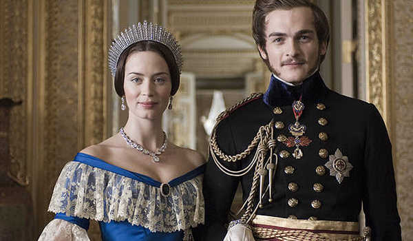 "Victoria dan Albert dalam film ""The Young Victoria"""