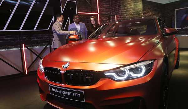 Hanya 2 Unit BMW M4 Competition diluncurkan di Indonesia