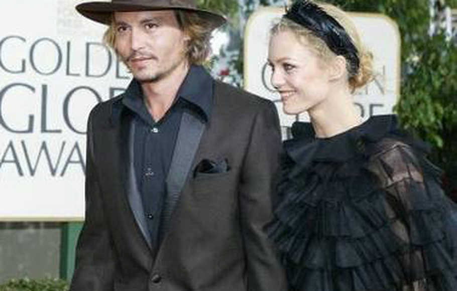 Hubungan Ins Dan Out Of Johnny Depp