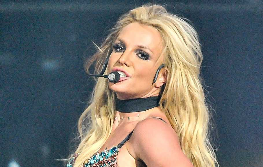 Britney Spears Rehat Demi Ayah