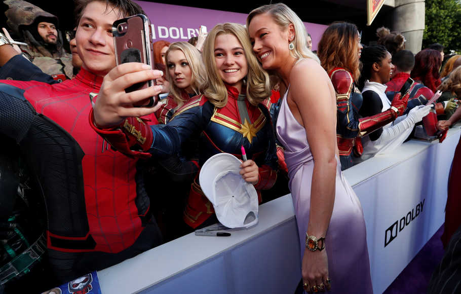 Sains di Balik Avengers: Endgame, Captain Marvel dan Lubang Cacing
