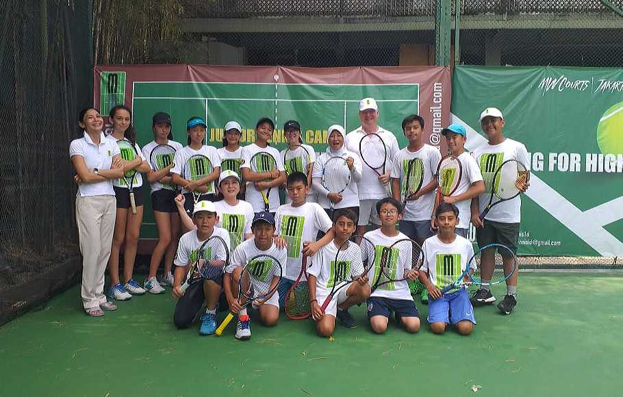 2 Legenda Tenis Nasional  Dampingi Atlet Junior Summer Camp 2019