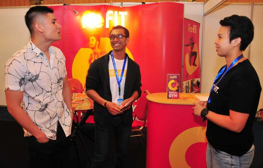 Chief Marketing Officer ReFIT Club Mela Gunawan (kanan)di sela pameran Info Franchise & Business Concept (IFBC) 2019 Surabaya, di The Square Ballroom Surabaya, Minggu (4/8/2019).