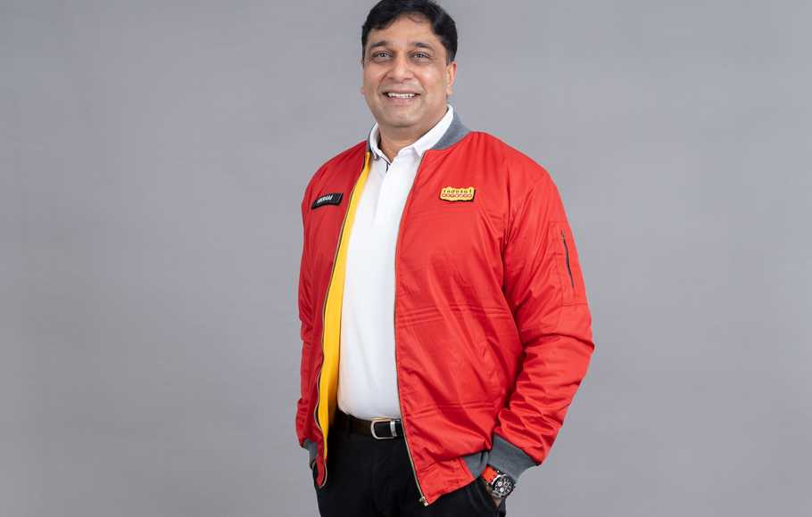 Director and Chief Operating Officer (COO) Indosat Ooredoo, Vikram Sinha.