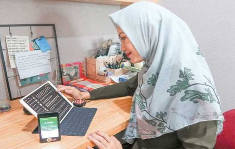 Ilustrasi pengguna internet di masa work from home (WFH).