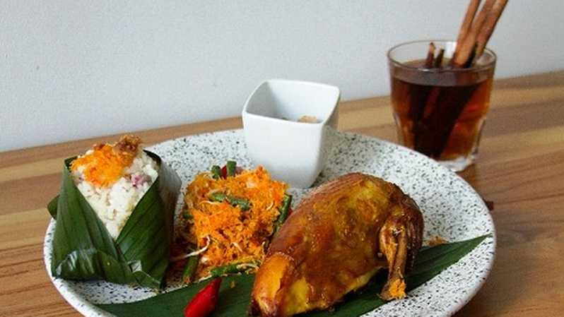 Nasi Ulam with Traditional Roasted Chicken