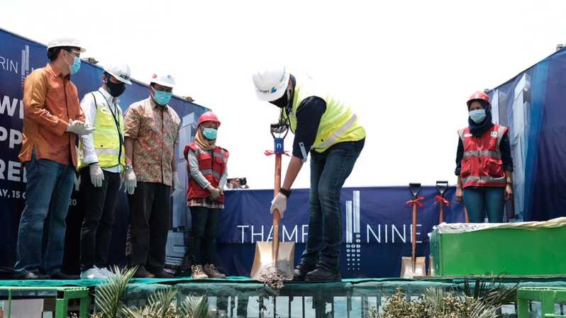 Topping-off gedung Thamrin Nine Tower 1.