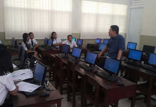 Lentera Harapan School is equipped with computer equipment to help learning process in the school. (ID Photo)
