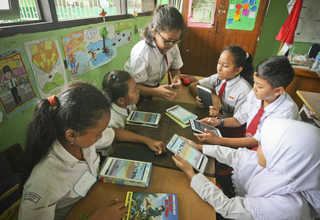 Digital Financial Literacy for Children program involves 2,244 students in seven schools in Jakarta, Banten's Tangerang, East Java's Surabaya and West Java's Bandung. (JG Photo/Yudha Baskoro)