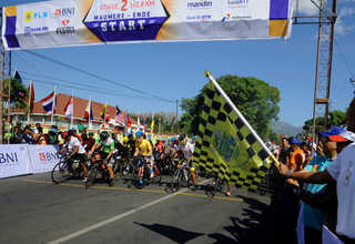 Stage 2 of Tour de Flores 2017 starts in Maumere on Saturday (15/07). The 141-kilometer stage ends in Ende. (SP Photo/Joanito De Saojoao)