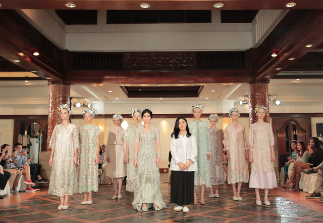 Fashion Designer Ronauli Liu Gives Her Take On Monet In Collection No 1 Claude