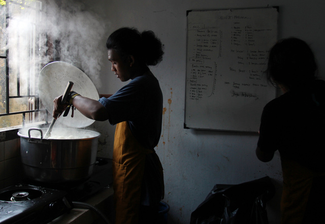Most Businesses in Indonesia Can Only Survive Until June Under Coronavirus Restrictions