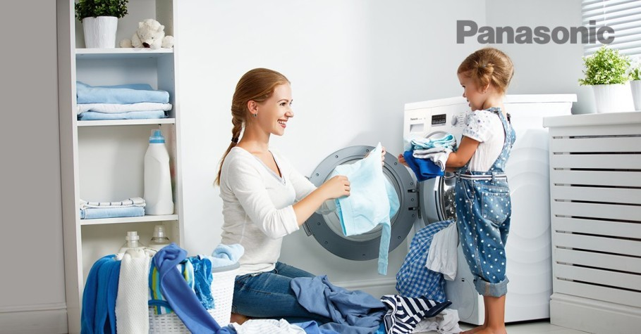 Panasonic's washing machines are equipped with Econavi technology to optimize water usage and Active Foam System technology to help clean clothes more thoroughly. (Photo courtesy of Panasonic Indonesia)