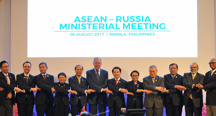 Asean and Russian ministers at a meeting in Manila on Aug. 6 to boost cooperation in counterterrorism, focusing on travel restrictions to the Middle East and efforts to curb the flow of money from international terrorist groups. (Photo courtesy of Asean Secretariat)