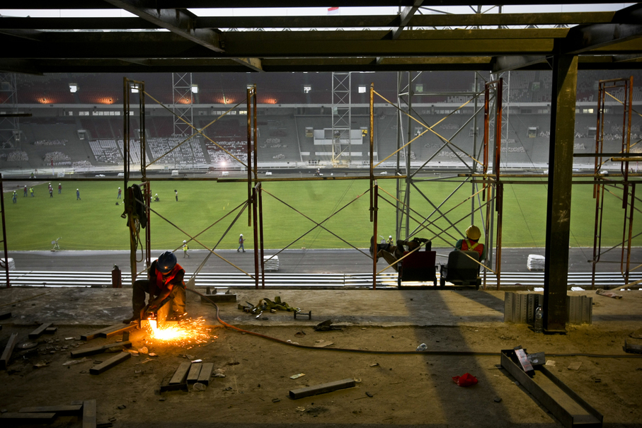 A view from the newly rebuilt stands at Gelora Bung Karno on Tuesday (08/08). (JG Photo/Yudha Baskoro)