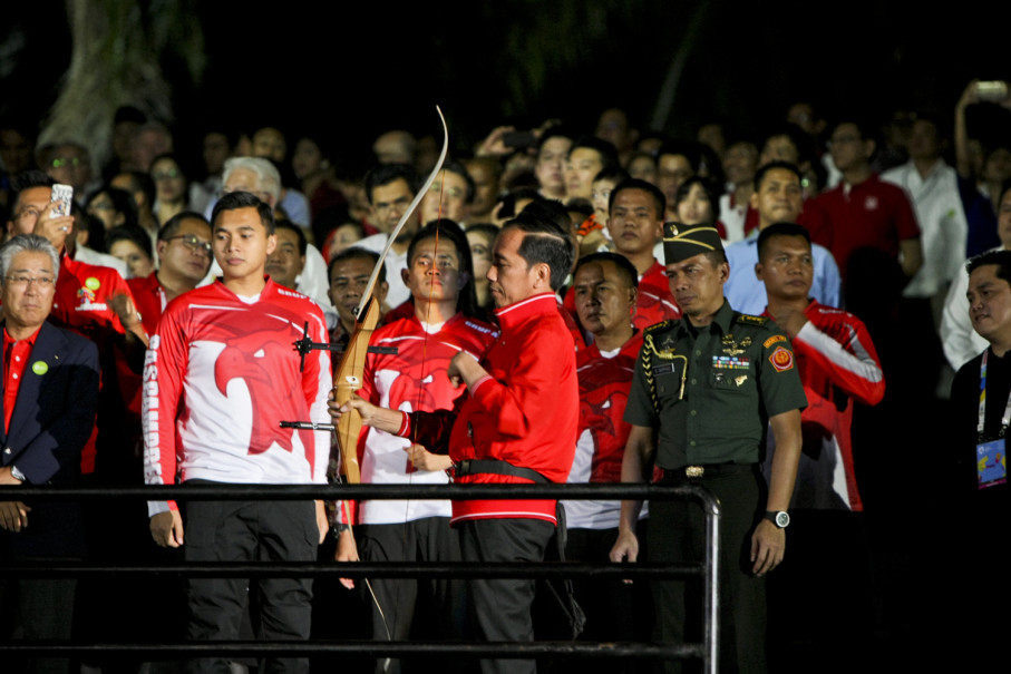 The 2018 Asian Games countdown, exactly a year before Jakarta and Palembang host the sports event, started with President Joko 'Jokowi' Widodo releasing an arrow at the National Monument in Jakarta on Friday (18/08). (JG Photo/Yudha Baskoro)