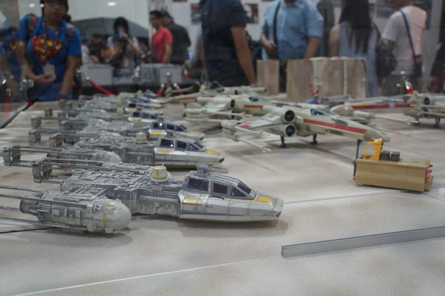 Replicas of Y-Wing and X-Wing starships showcased at the Singapore Toy, Game and Comic Convention. (JG Photo/Dhania Sarahtika)