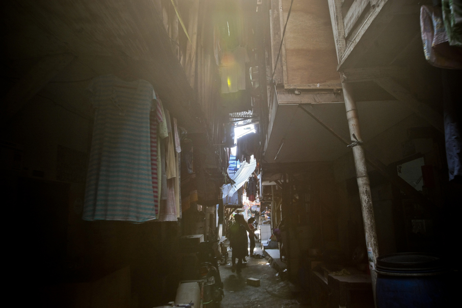 Home workers live in slums in Penjaringan, North Jakarta, largely due to low wages and lack of company benefits. (JG Photo/Yudha Baskoro)