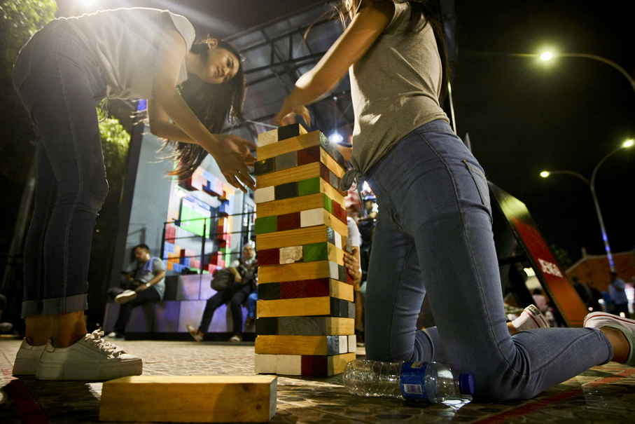 Visitors play Jenga at the festival. The game was all the rage in the '90s in Jakarta. (JG Photo/Yudha Baskoro)
