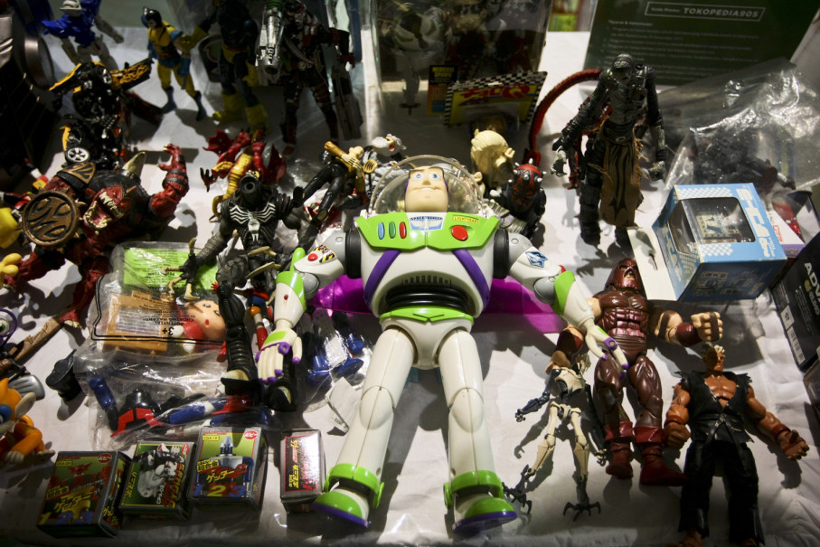 A stand selling action figures at The '90s Festival. (JG Photo/Yudha Baskoro)