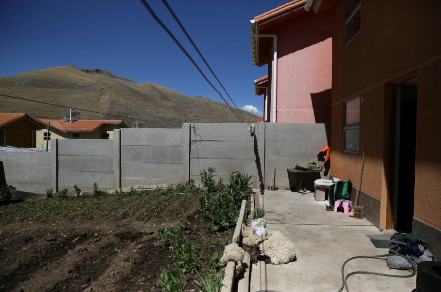 The potato plantation belonging to Florentino Lima is seen in the backyard of his home in the town of Nueva Fuerabamba in Apurimac, Peru, October 3, 2017. Reuters Photo/Mariana Bazo