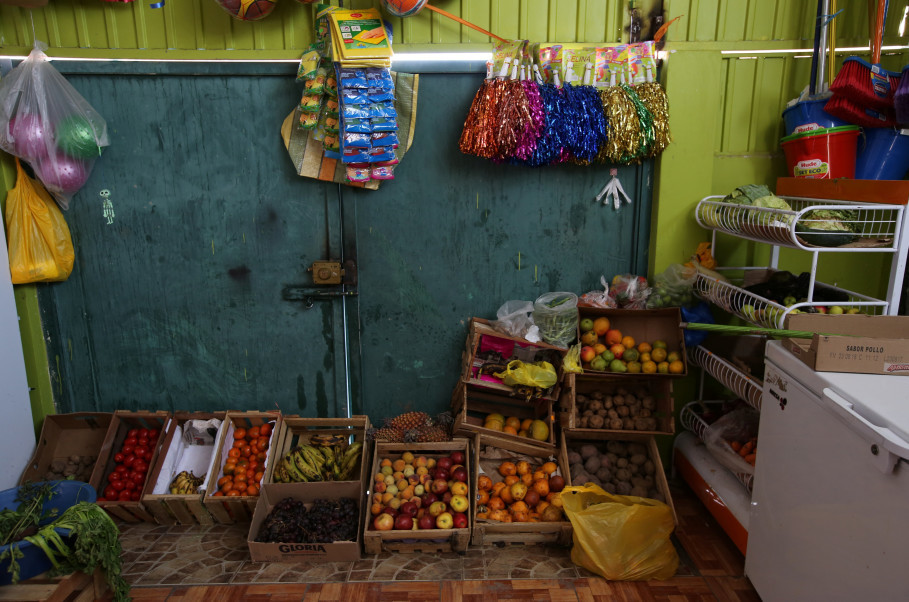 Fruit and vegetables are displayed at a store in the town of Nueva Fuerabamba in Apurimac, Peru, October 3, 2017. Reuters Photo/Mariana Bazo