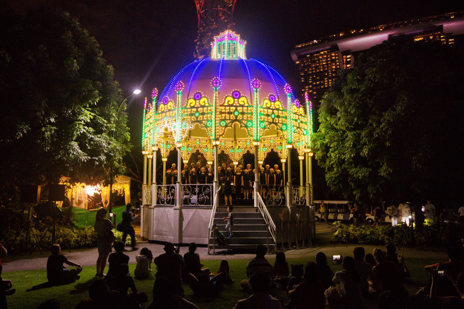 Christmas carols at the Cassa Armonica Gazebo, where more than 10 local school choirs and choral groups perform. (Photo courtesy of Christmas Wonderland)
