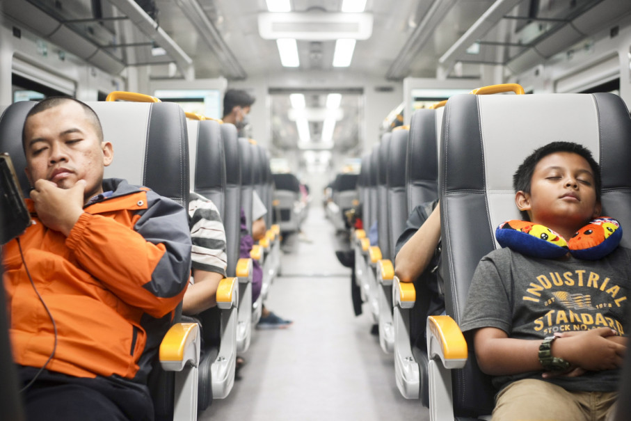 Inside the cabin of Jakarta's new airport train. (JG Photo/Yudha Baskoro)