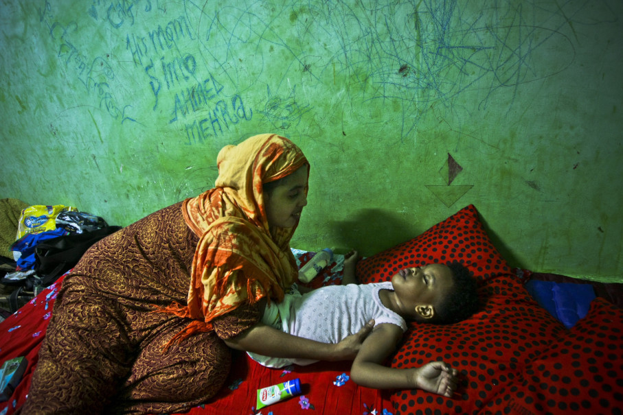 Siham Ahmad, 25, comes from Somalia. She is grateful her child does not have to sleep on the sidewalk. (JG Photo/Yudha Baskoro)
