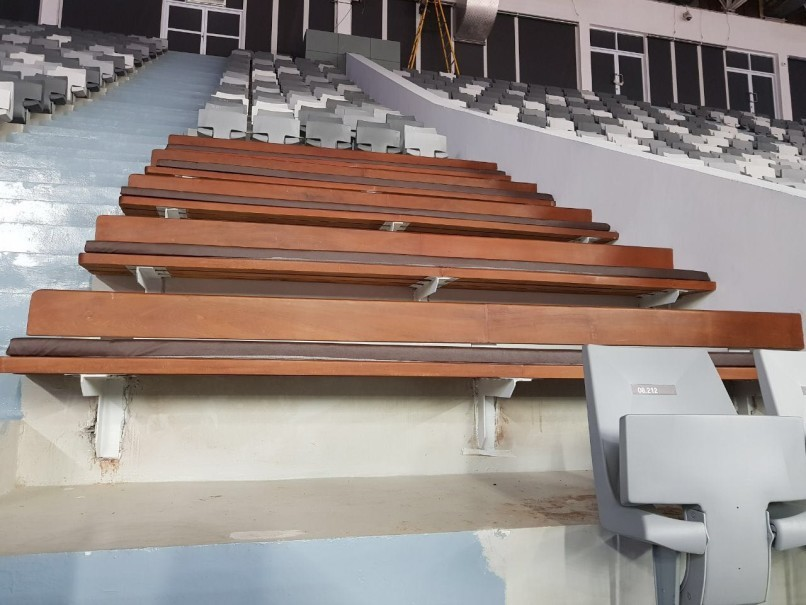 Despite the new single-seat system, Istora's teakwood benches were preserved in several zones. (Photo courtesy of the Ministry of Public Works and Housing)