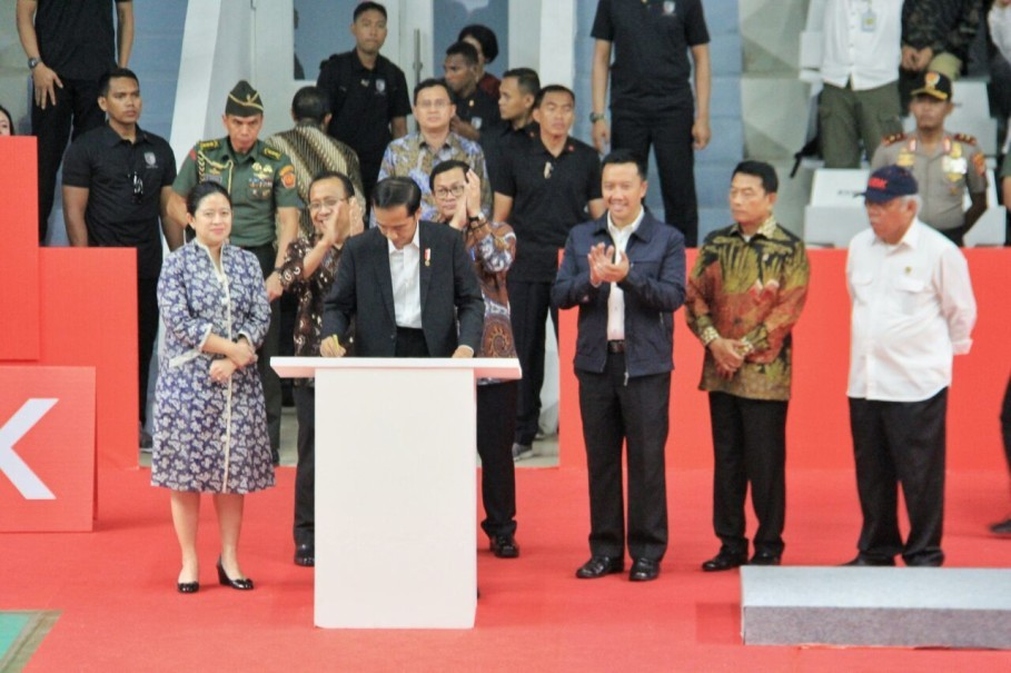 Jokowi inaugurates the newly renovated Istora building. (Photo courtesy of the Ministry of Public Works and Housing)