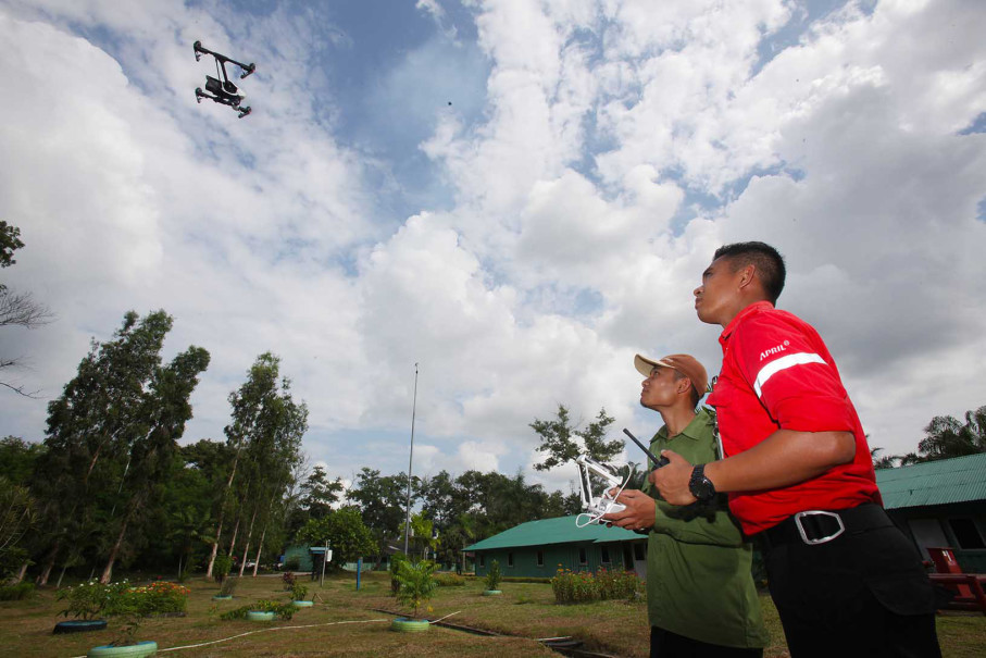 RAPP's quick-response team testing a drone used to monitor the company's concession area for any fire risks. The company employs 380 firefighters as part of the response team tasked with extinguishing and controlling fires. RAPP employs a further 90 staff members to assist the core firefighting teams with various tasks. (Photo courtesy of RAPP)