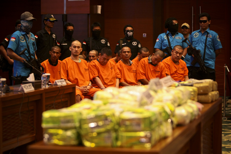 Bags of sabu and ecstasy pills at the press conference. (JG Photo/Yudha Baskoro)
