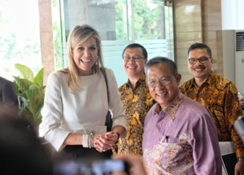 Queen Maxima meets with Coordinating Economic Affairs Minister Darmin Nasution in Jakarta on Monday (12/02). (Photo courtesy of Coordinating Ministry of Economic Affairs)