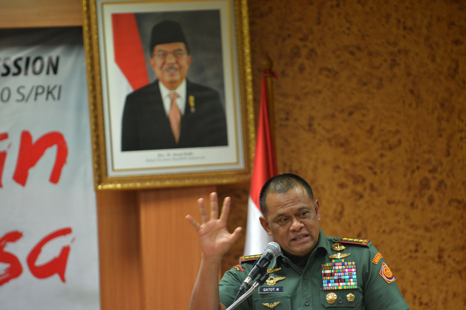 Former Indonesian Military chief Gen. Gatot Nurmantyo speaks at the House of Representatives. (Antara Photo/Wahyu Putro A)