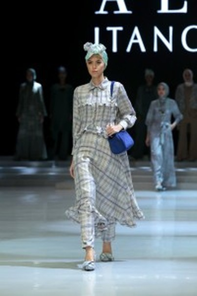 Itang Yunasz collection of 'Soft City.' (Photo courtesy of Indonesia Fashion Week)