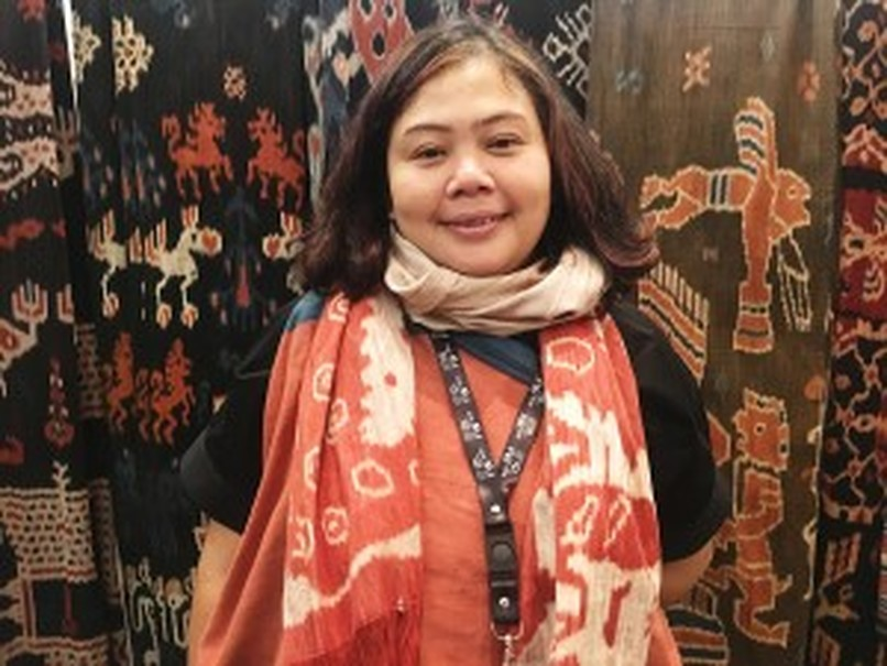 Dian Erra Kumalasari found her love for traditional fabrics while backpacking across Indonesia. (JG Photo/Diella Yasmine)