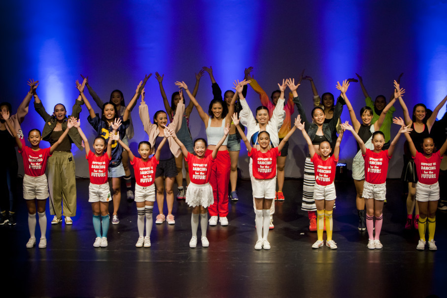 Three generations of Namarina ballet students and dancers performed in a showcase called 'Dancing for the Future' on Sunday (22/04). (JG Photo/Yudha Baskoro)