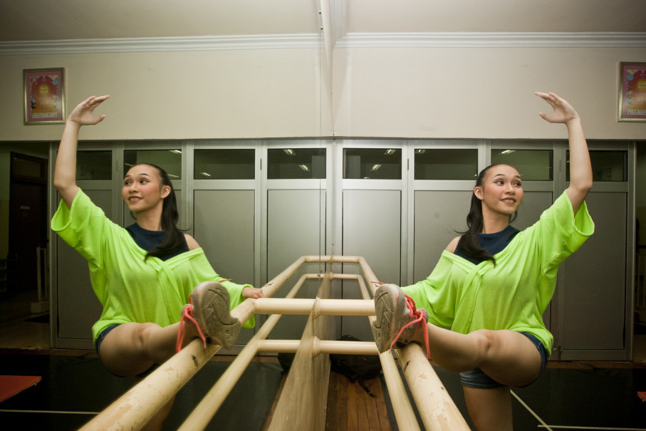 'Ballet is far from easy, but in front of the audience I have to make it look as if it were,' said Maria Maharani, 16, who started practicing as a 3-year-old. (JG Photo/Yudha Baskoro)