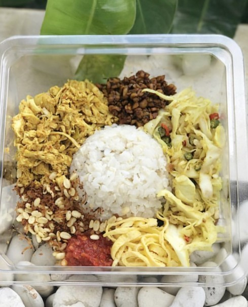 Nasi Campur Bali from The Betawi Salad. (Photo courtesy by The Betawi Salad)
