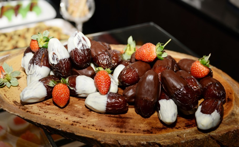 A dates platter. (Photo courtesy of US Embassy)