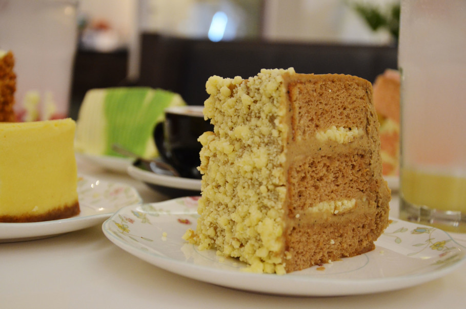 Teh Botol cake's flavor is based on the popular sweet bottled tea drink. (JG Photo/Cahya Nugraha)