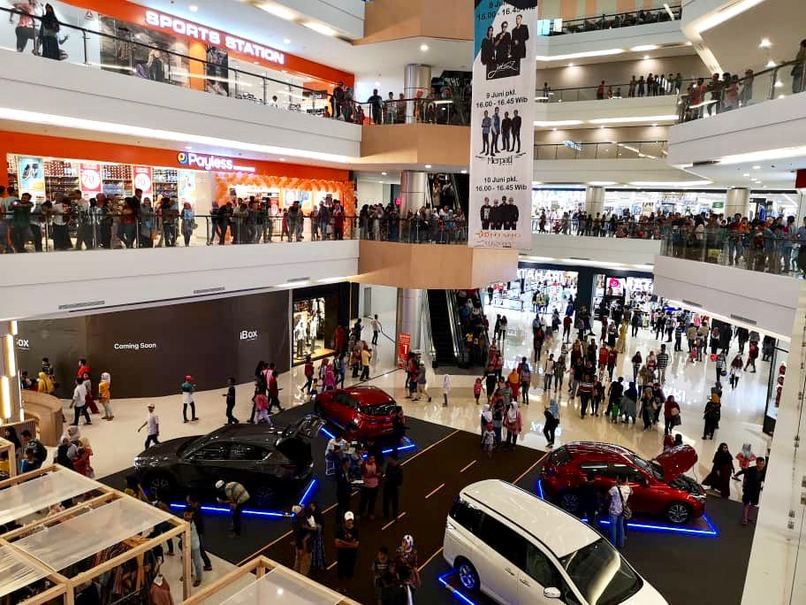 The new outlet is located inside the 67,000 square-meter Cilegon Center. (Photo courtesy of Matahari Department Store)