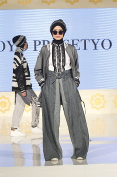 Outfits from Yoyo Prasetyo's mini-collection. (Photo courtesy of Contentro PR)
