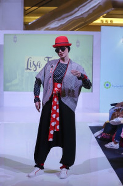One of the looks in Lisa Fitria's new collection. (Photo courtesy of IFC)