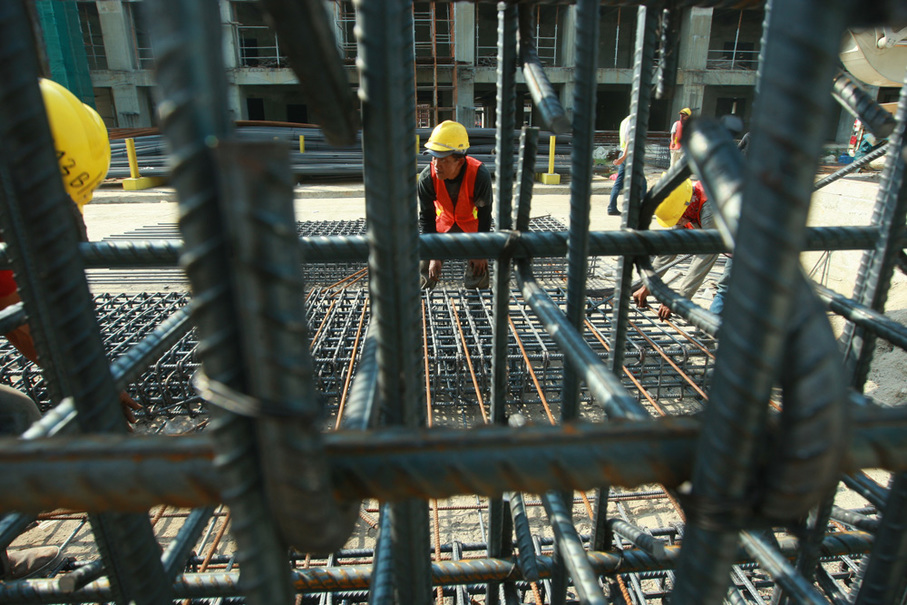 The steel mesh is used to reinforce concrete in the construction. (JG Photo/Yudhi Sukma Wijaya)